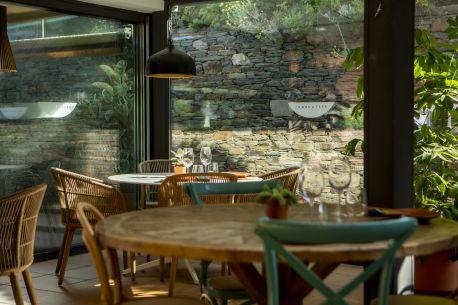 https://rho.hotelsolixent.com/img/imgTxt/hotel-sol-ixent-restaurant-S_1_48.jpg